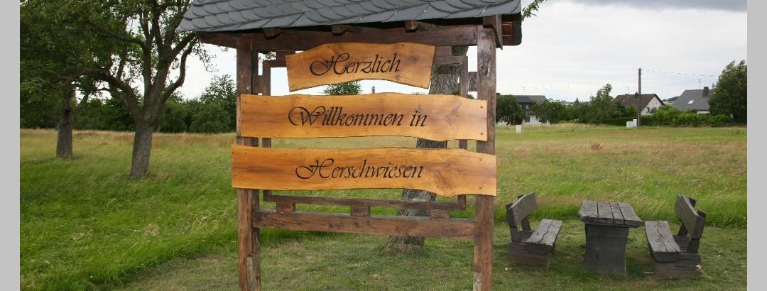 Am Kirmesplatz in Herschwiesen