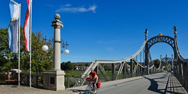 Brücke Laufen-Oberndorf