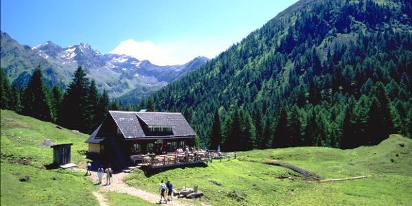 Duisitzkarseehütte am Duisitzkarsee im Obertal