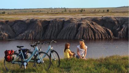 Radlerinnen vor Großräschener See, Foto: Nada Quenzel