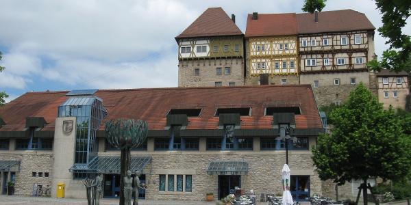 Rathaus Talheim mit Burg