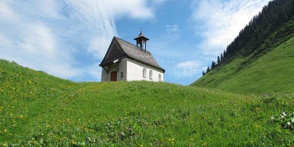 St. Anna Kapelle auf Faschina unterhalb des Faschinajoches, über welches die Walser Fontanella im Großen Walsertal besiedelten.