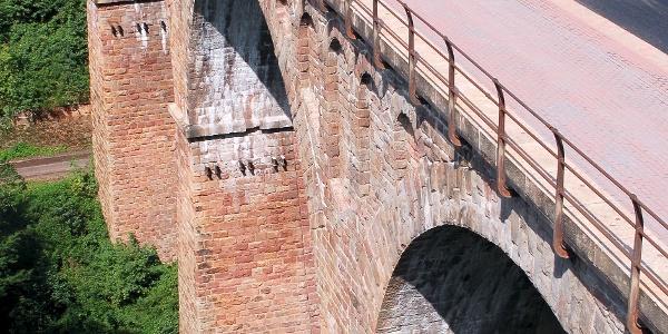 Sandsteingewölbebrücke