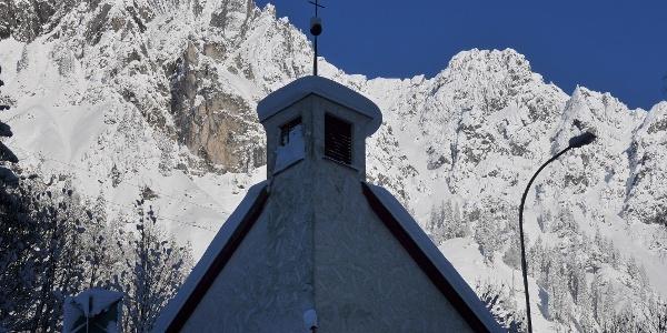 Langen am Arlberg, Expositurkirche Heilige Theresia vom Kinde Jesu