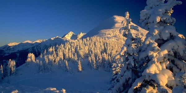 Blick von der Planai auf den Krahbergzinken im Winter