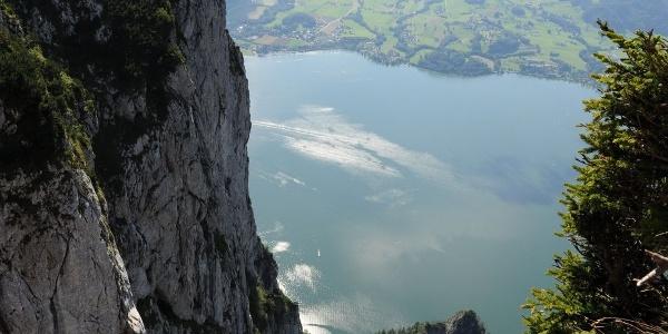 Blick nach dem steileren Teil durch den Brandgraben zum Traunsee