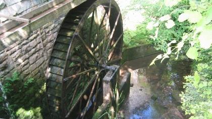 Wasserrad an der Lochsägemühle