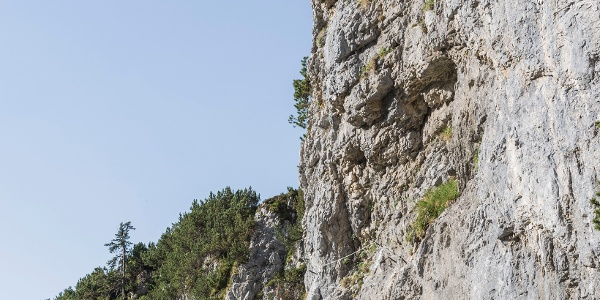 Steilwand im Klettersteig Klamml