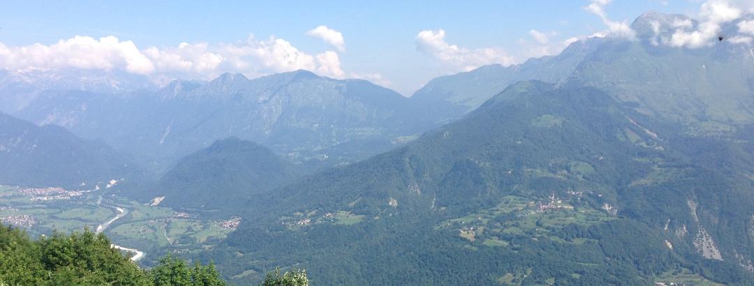 Blick vom Kolovrat auf Tolmin und Soca Tal