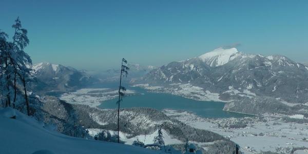 Der Wolfgangsee an einem eisigen Wintertag von Seehöhe 1300m aus gesehen. (28.1.2011)
