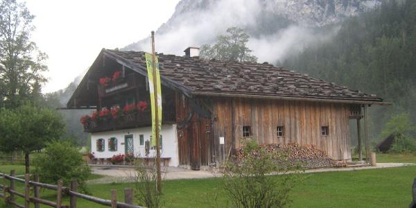 Das Klausbachhaus - Sitz der Nationalpark-Informationsstelle Hintersee.