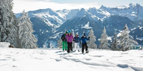 Schneeschuhwandern am Bartholomäberg
