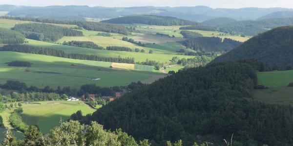 Blick auf Deisfeld und Schweinsbühl