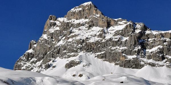 Die imposante Sulzfluh - im Winter Skitourengipfel im Sommer Klettersteig
