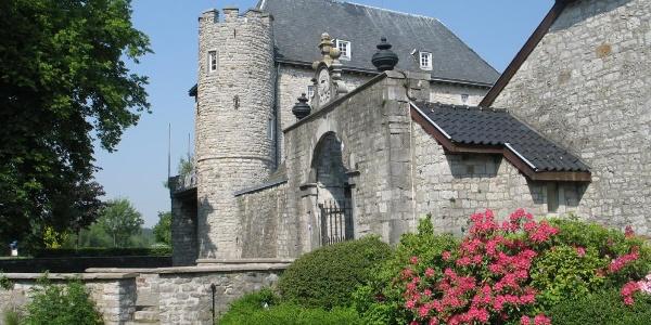 Burg Raeren & Töpfereimuseum