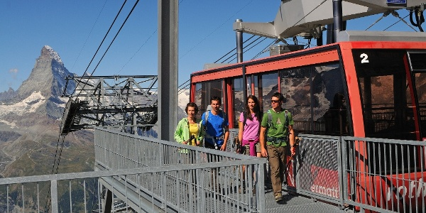 Arriving by cable car at the Rothorn
