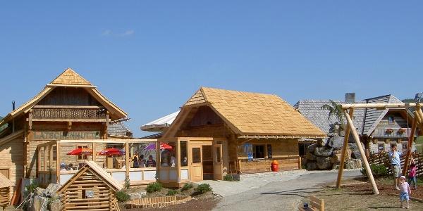 """Teichalm, """"Latschenhütte"""" mit Spielplatz"""