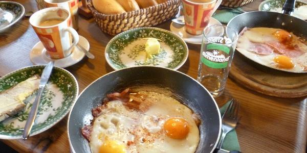 Stoakoglhütte Almfrühstück