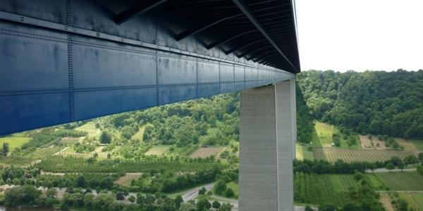 Hoch über der Mosel: die Winninger Autobahnbrücke