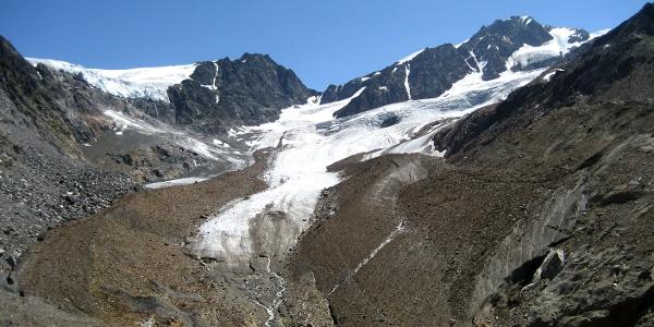 Trotz Schwund hat der Gletscher noch ein beträchtliche Größe