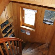 Treppe zu den Lagerplätzen