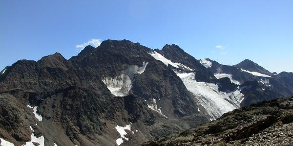 Überreste von mächtigen Gletschern - Blick zur Saldurspitze