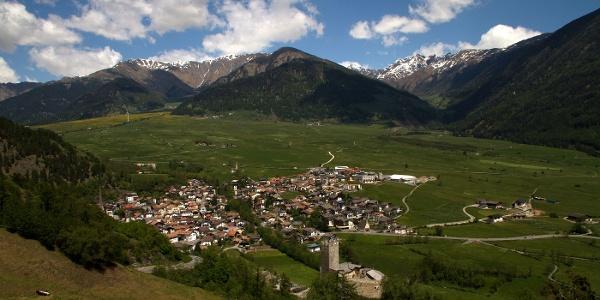 Auf dem Weg zum Ausgangspunkt der Wanderung, das Dorf Burgeis