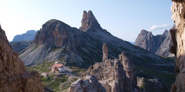 Blick vom Paternkofelanstieg zur Hütte